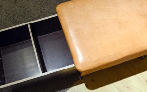 Schublade mit Frontplatte