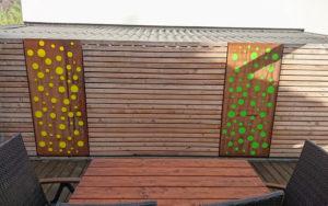 Terrassen Elemente aus Blech und Acrylglas
